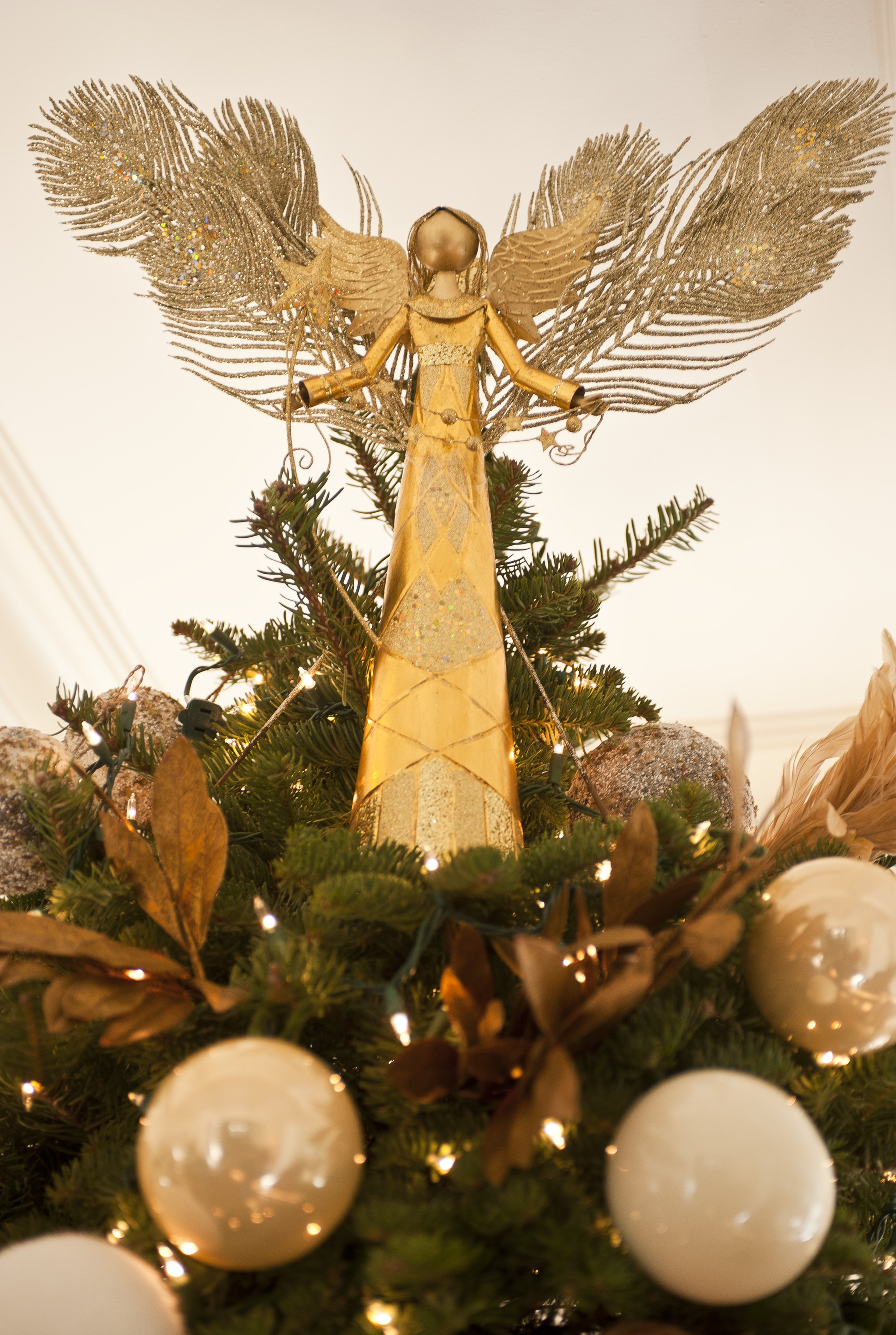 Christmas Tree Toppers.Pretty Tree Toppers Traditional Home