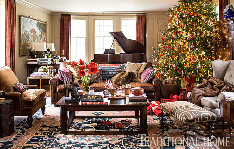 holiday decorating tips from designer lisa hilderbrand traditional home. Black Bedroom Furniture Sets. Home Design Ideas