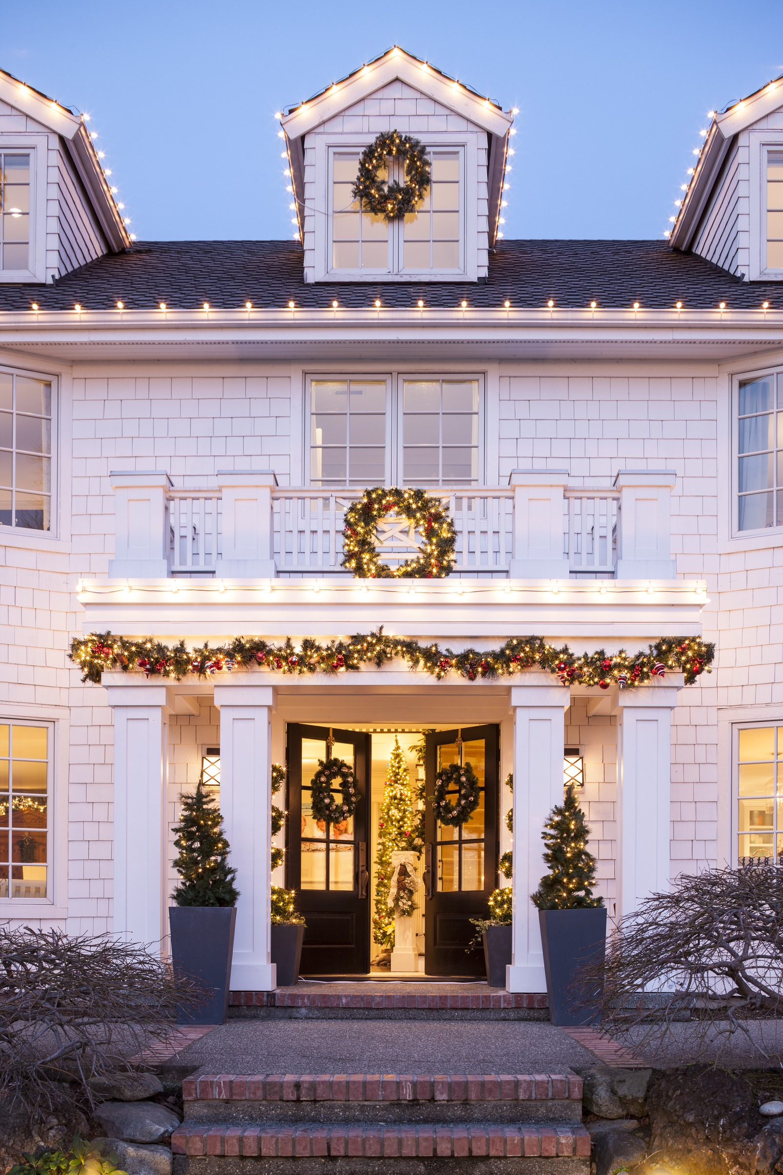 gorgeous garlands traditional home