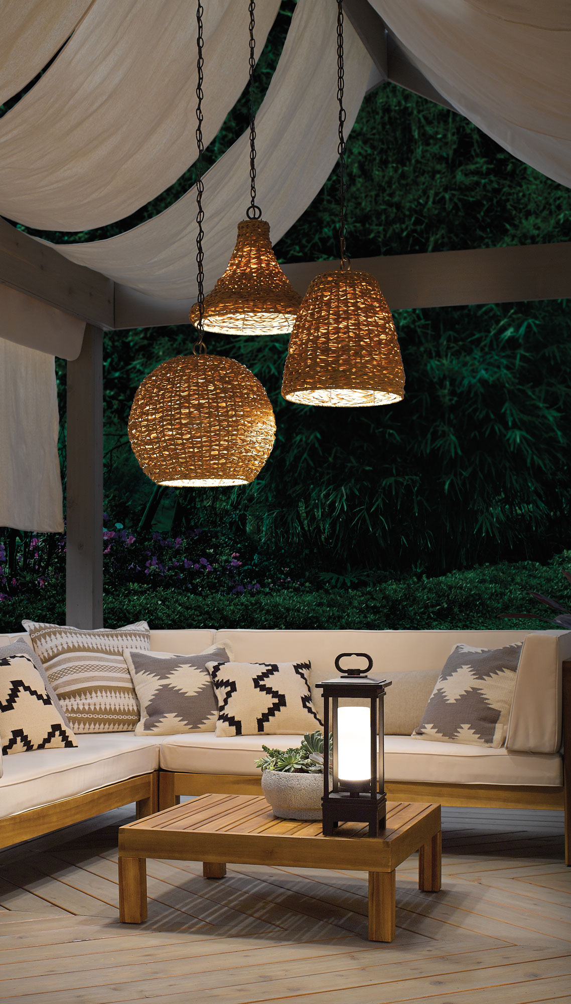 5 Beautiful Practical Outdoor Lighting To Dos Traditional