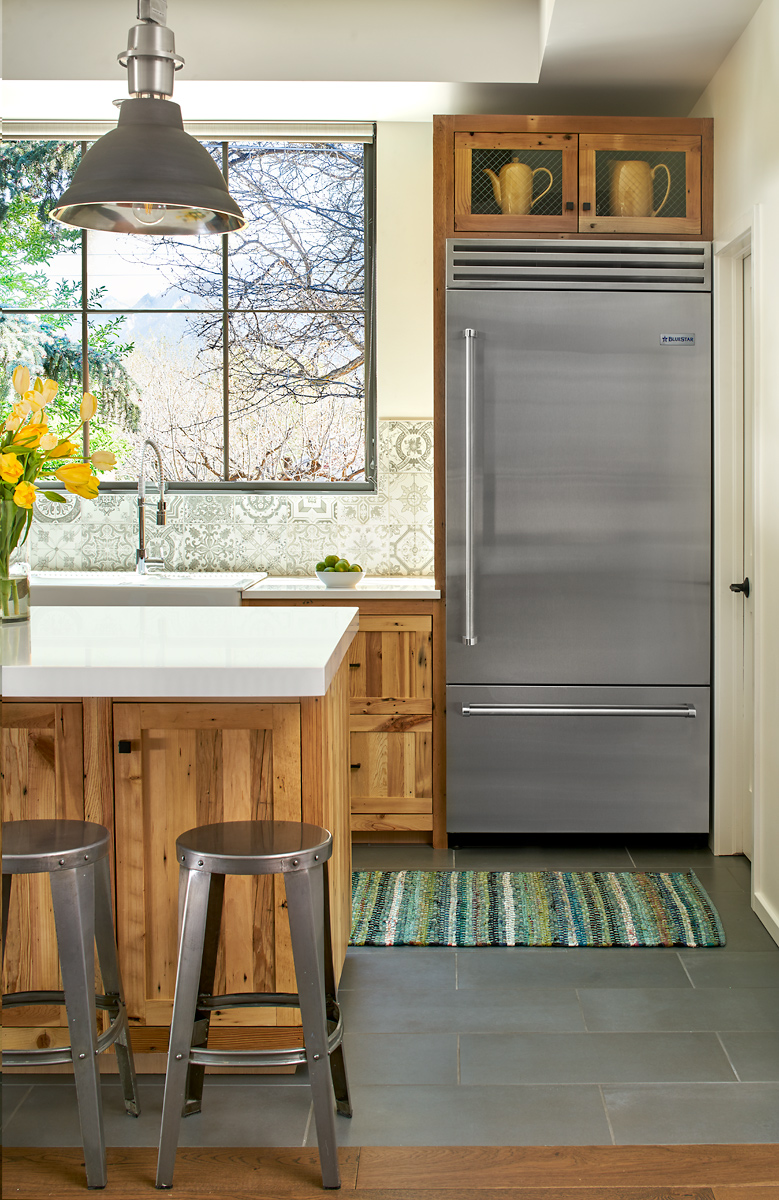 A Retro Masters Cool Colorado Kitchen Traditional Home - Retro-kitchen-design-you-never-seen-before