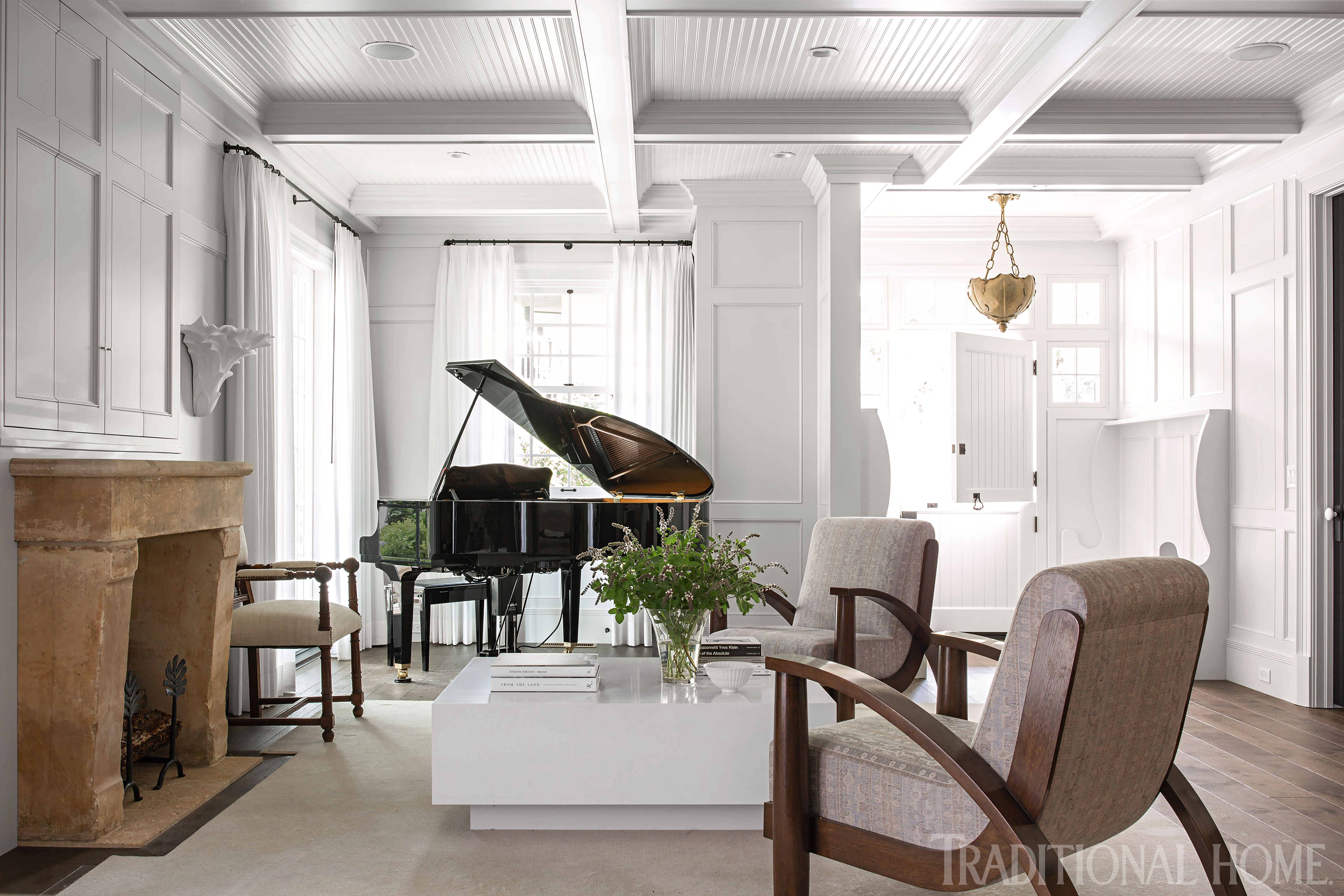Clean Lined And Classic Meet In A California Home