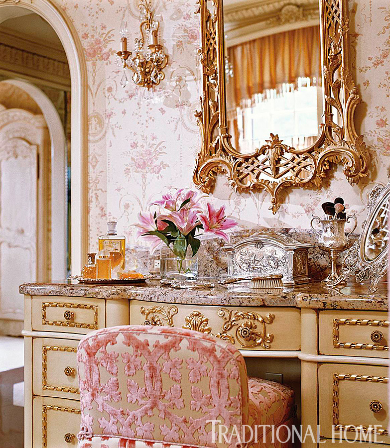 Romantic rooms and decorating ideas traditional home for Wallpaper traditional home