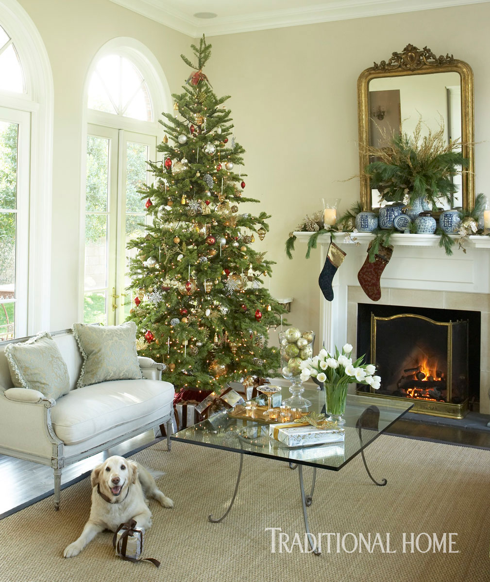 Traditional Home Christmas Decorating: Light-Filled Arizona Home Decked For The Holidays