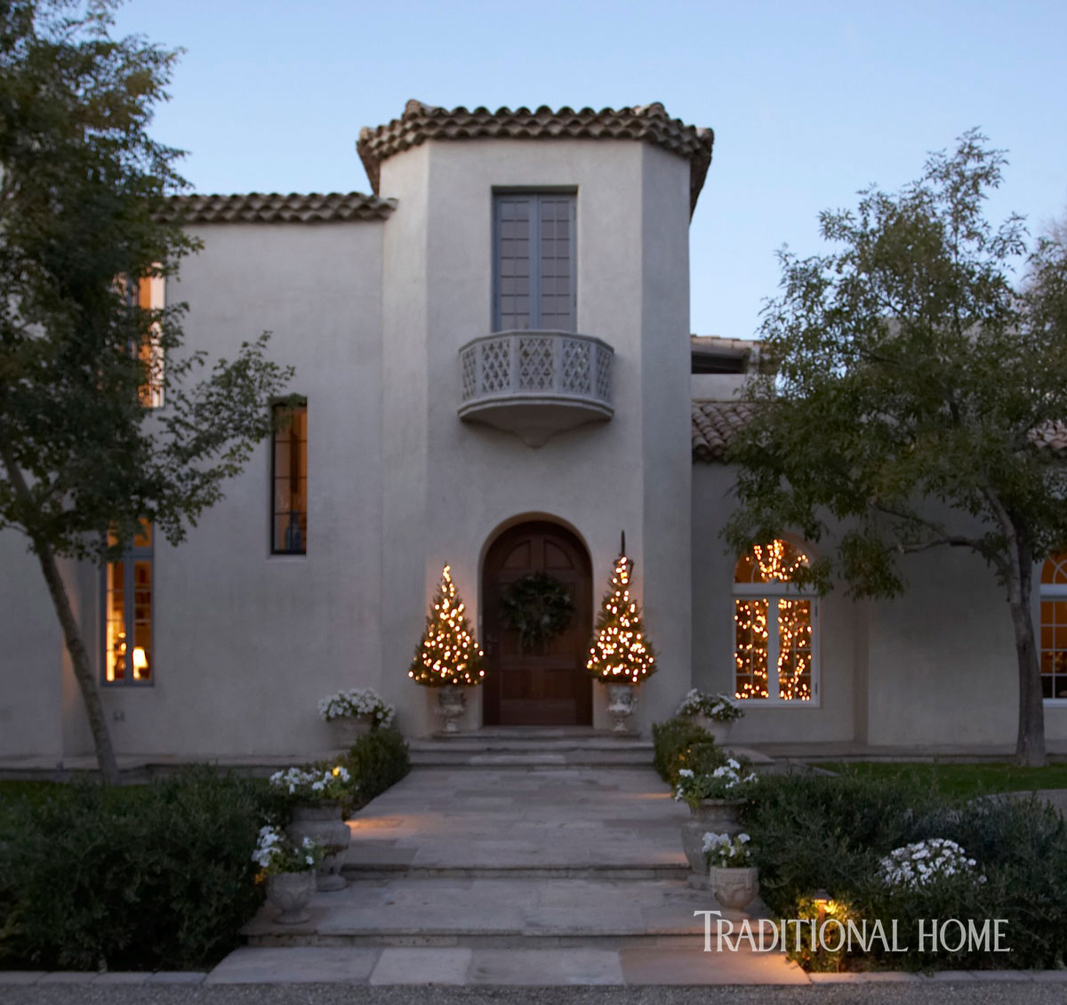 Spanish Style Homes Spanish Spanish Home Design Ideas: Christmas In A Spanish Mission-Style Home