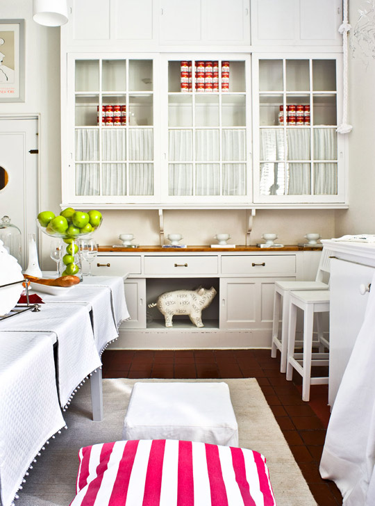+ ENLARGE. Tria Giovan. Showhouse Kitchen Dining Room Dressed In White  Designer Beverly Balk Created This ...