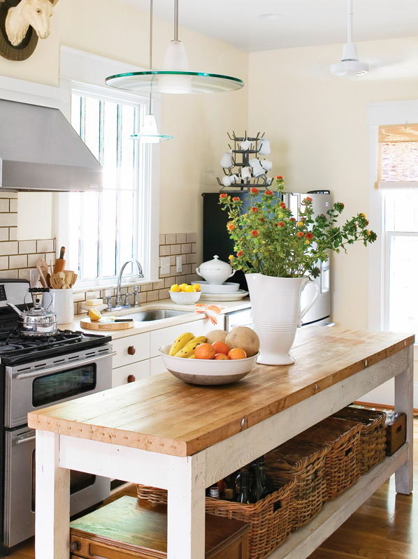 Smart storage ideas for small kitchens traditional home - Small kitchen island with storage ...
