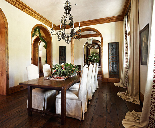 Beautiful dining rooms traditional home for Beautiful small dining rooms
