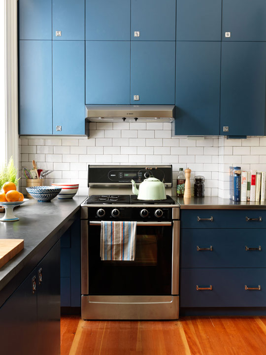 Colorful Kitchens With Charisma