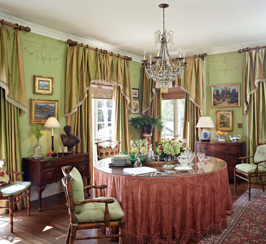 Beautiful dining rooms beautiful dining rooms inspire for Beautiful traditional dining rooms