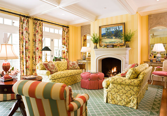 Living Room In Yellow Green And Red