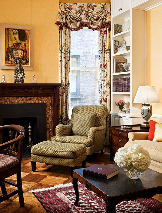 Traditional Home Interior Design: Remodeled New York Apartment