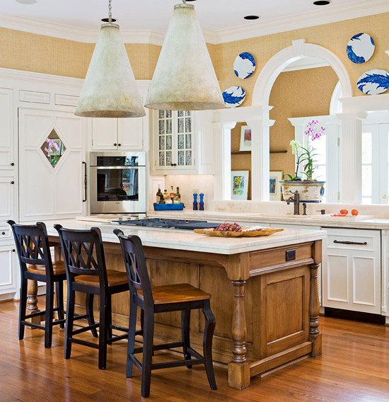 Beautiful Traditional Small Kitchen Design Featuring White: Decorating Details: Beautiful Blue-and-White Accents