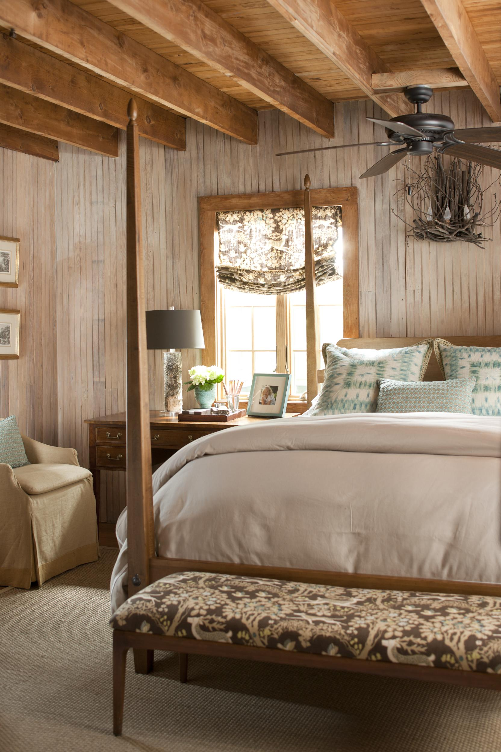 Elegant Romantic Bedrooms: Bedrooms: Rustic & Romantic