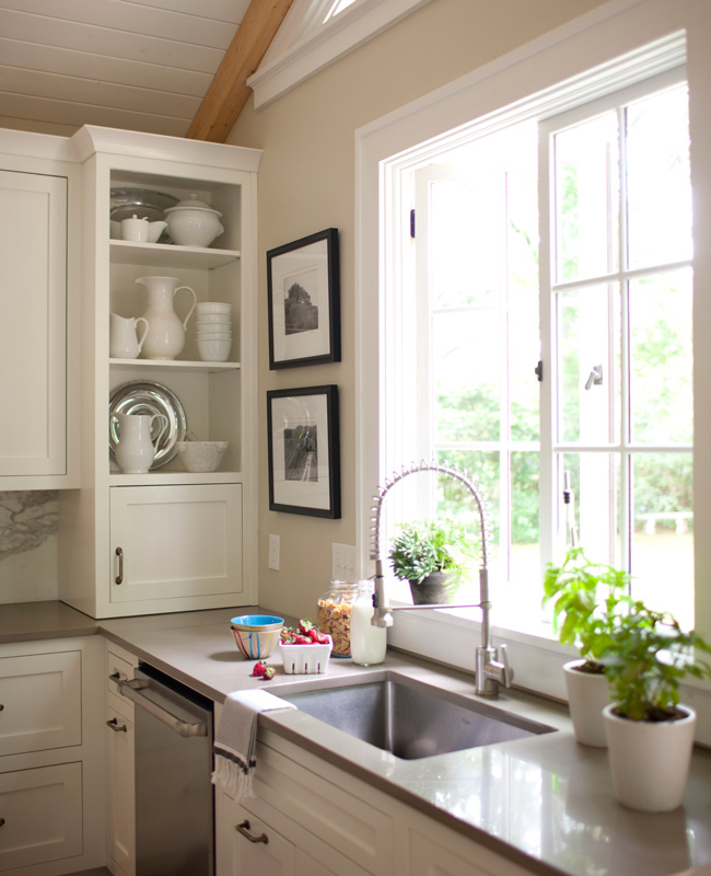 Storage ideas for kitchens without upper cabinets for Upper kitchen cupboards