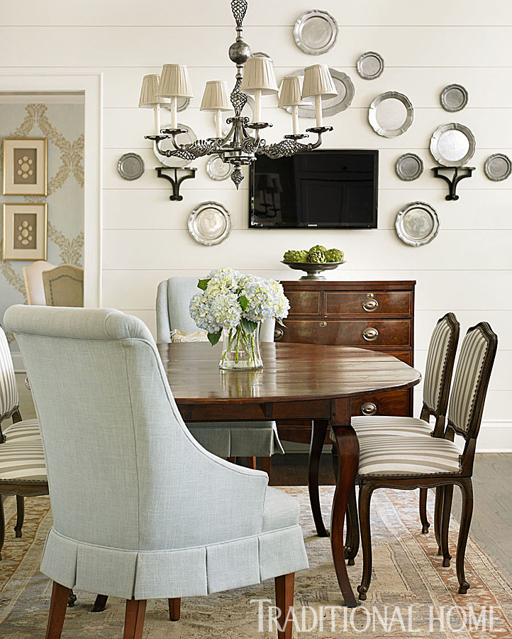 See 10 wonderful white rooms that will make you smile for What to hang on dining room walls