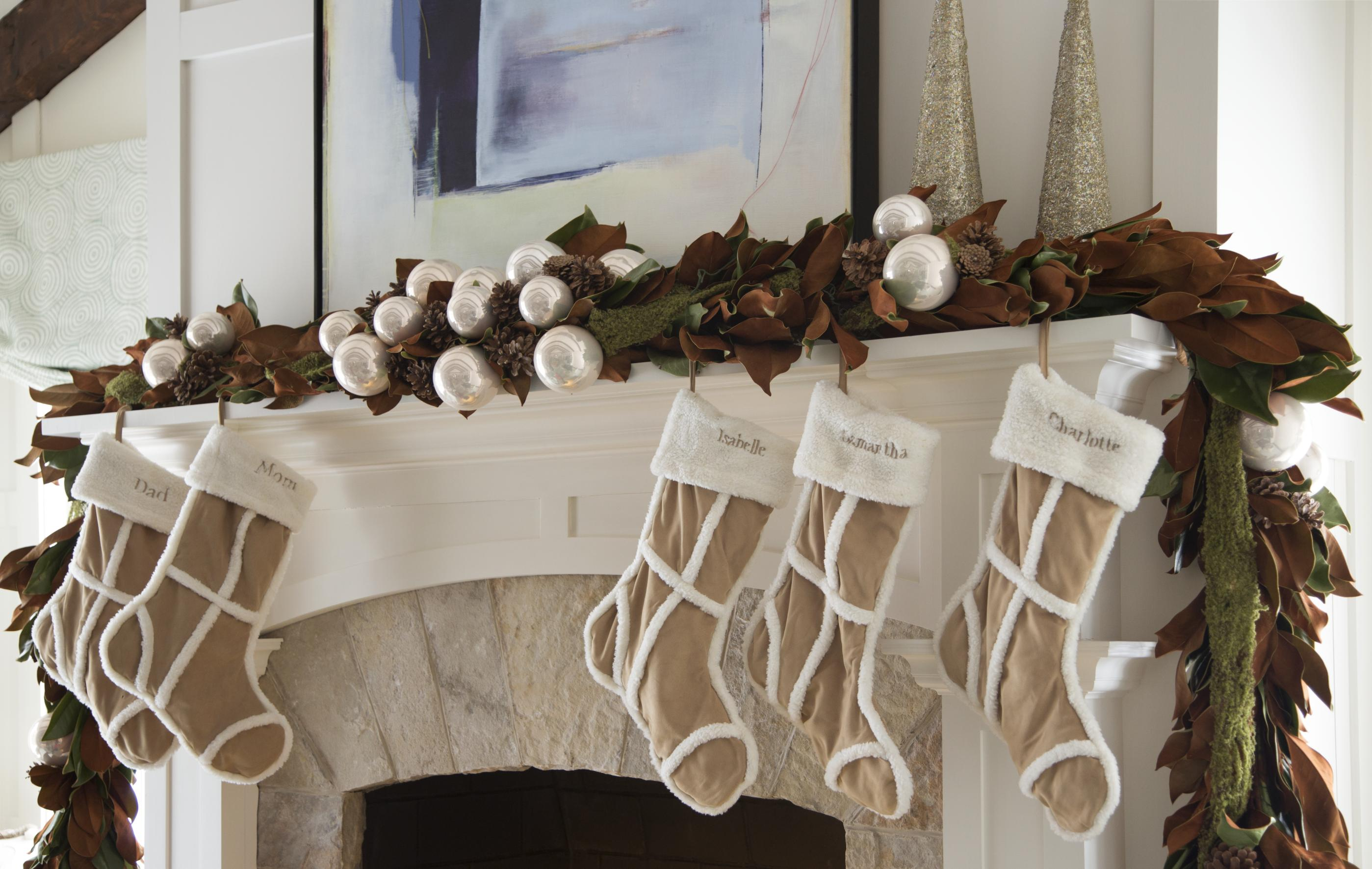enlarge - How To Decorate A Fireplace Mantel For Christmas
