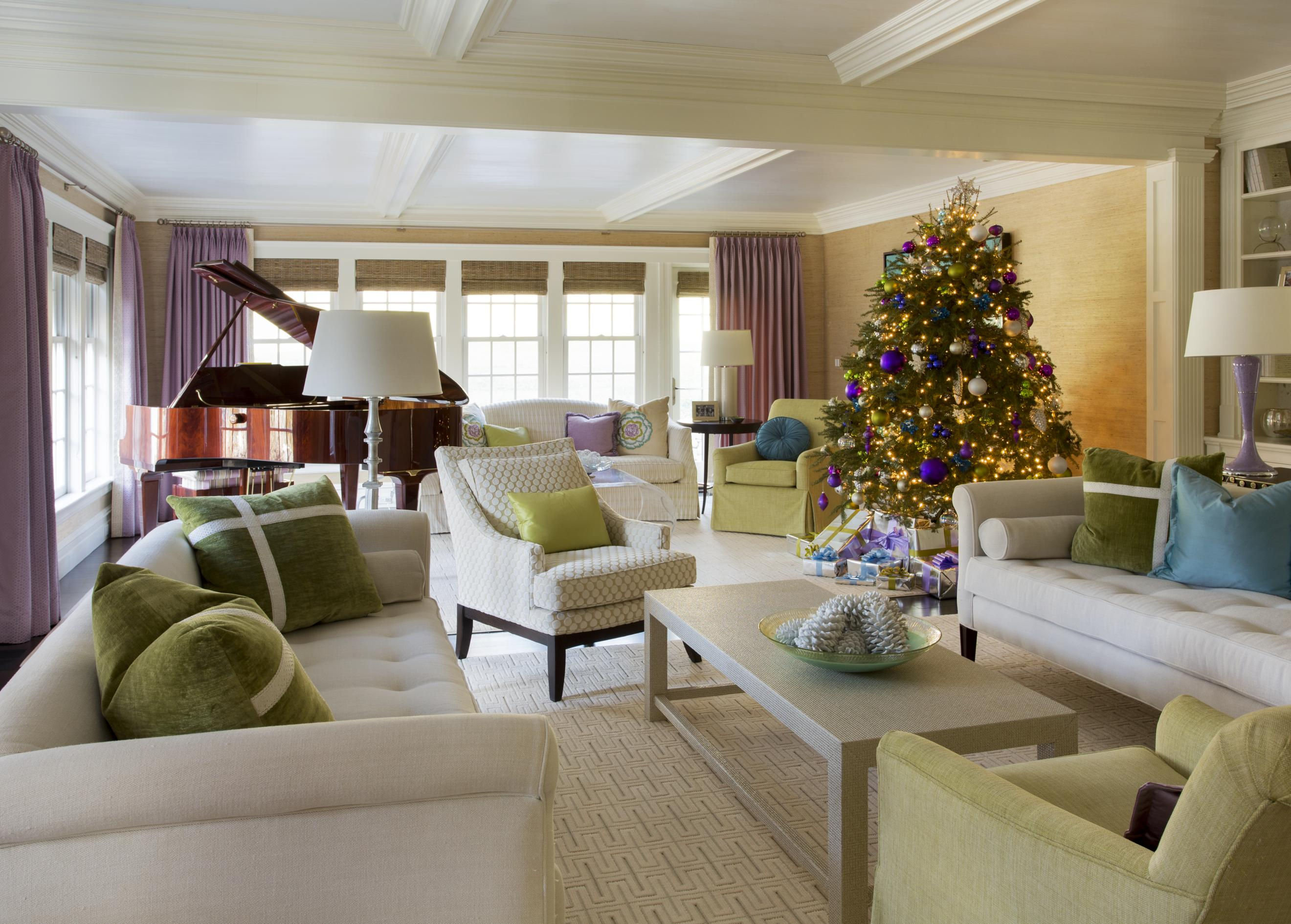 Decorating Christmas Trees Traditional Home - Traditional home design