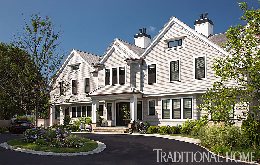 Lovely new england summer home with neutral palette for New england house designs