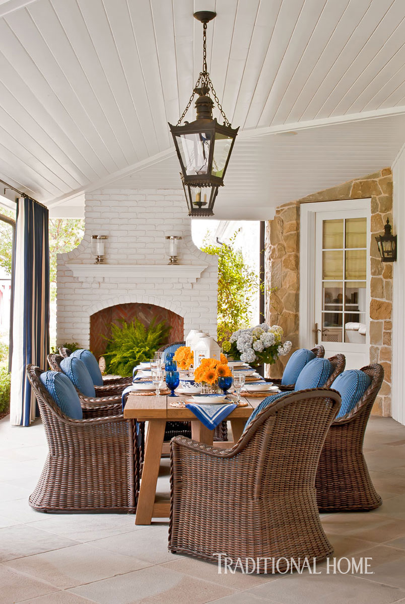 Southern California Home With A Blue And White Palette