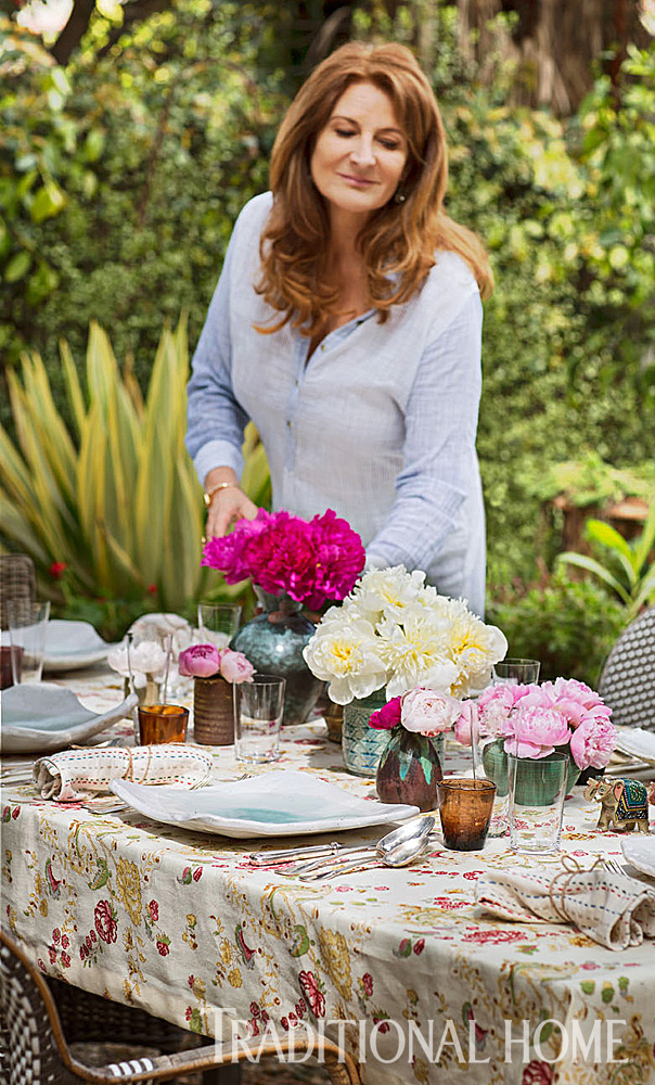 Kathryn Ireland outdoor entertaining with kathryn ireland | traditional home