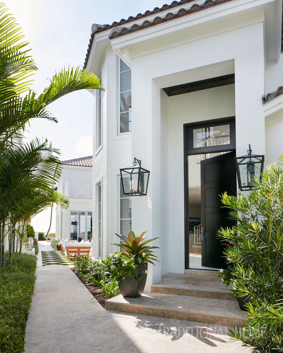 ENLARGE. Spacious Beachfront Home in Jupiter  Florida   Traditional Home