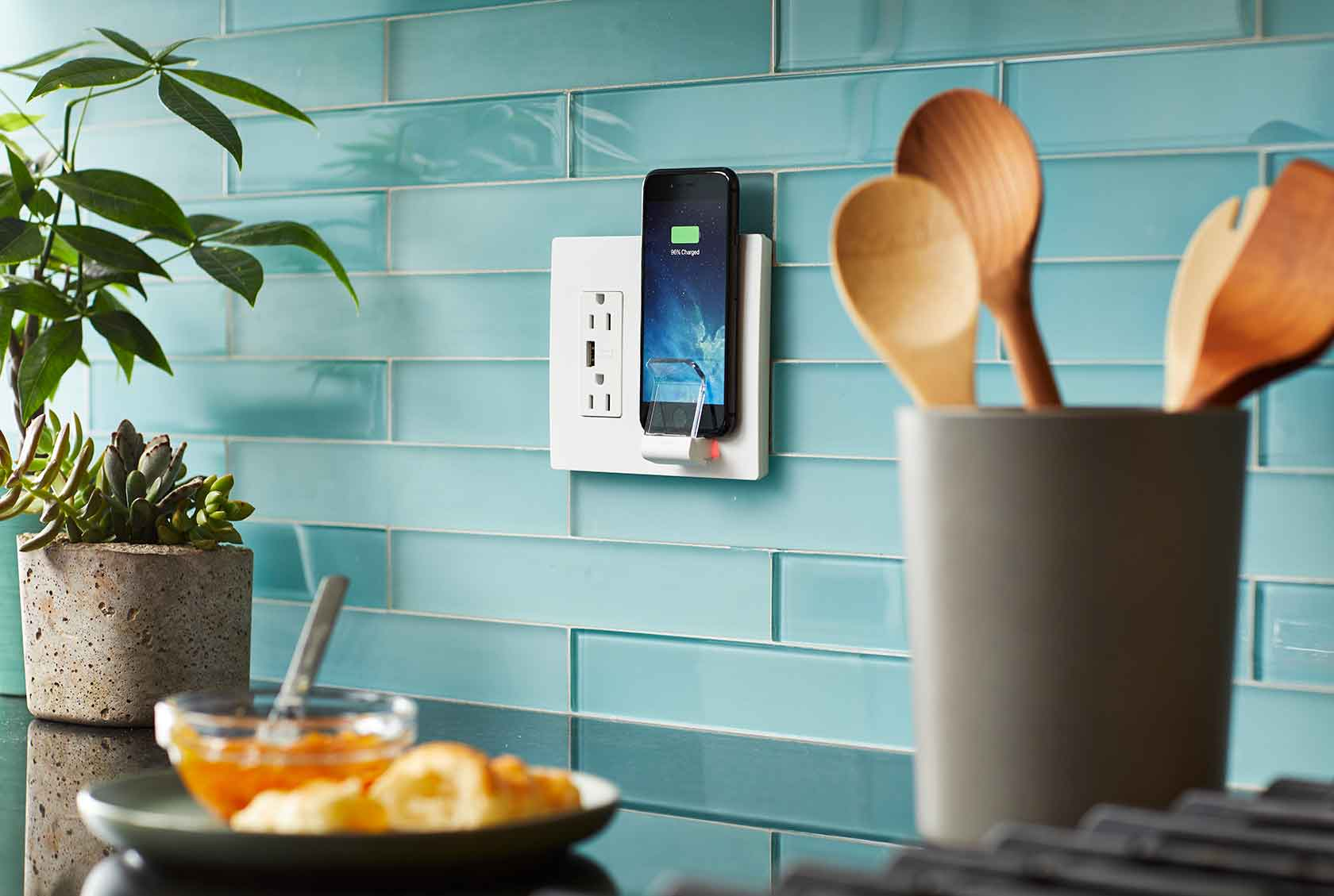 Legrand Radiant Wireless Charger