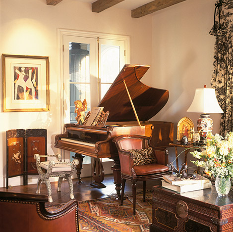 Magnificent manor house decorating ideas traditional home for Classic house piano