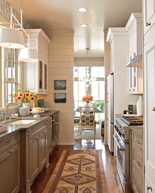 Traditional Open Concept Kitchen: Beautiful, Efficient Small Kitchens