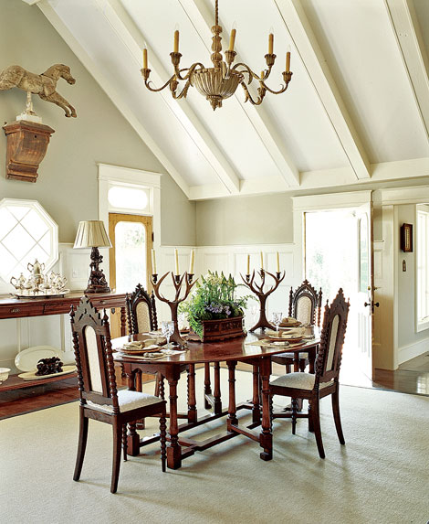 Lodge Style Dining Room Detail