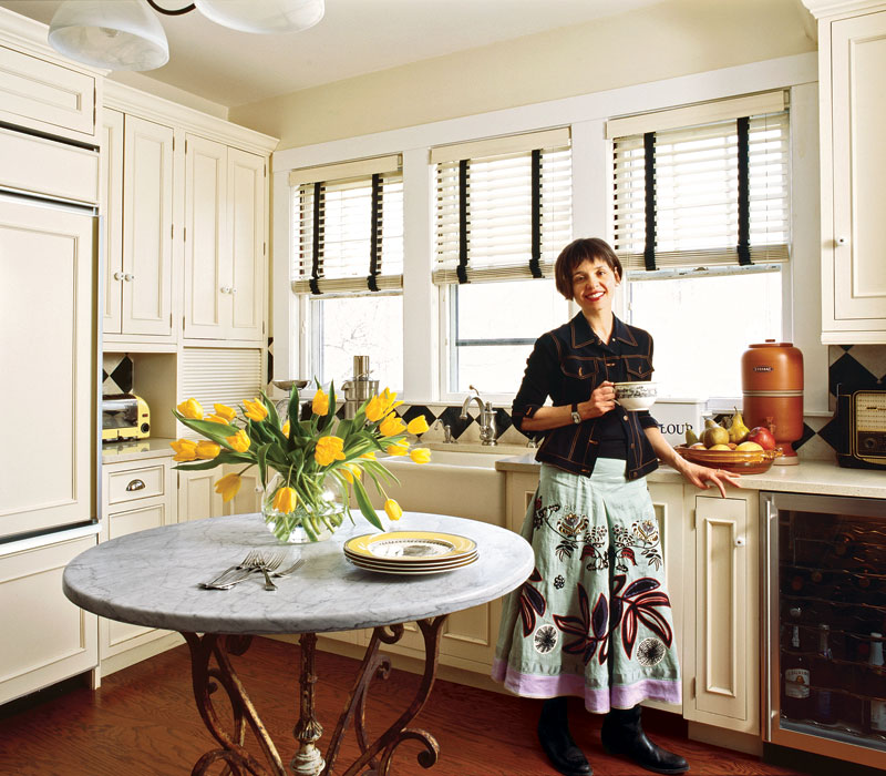 Kitchen Cabinets Small Space: An English Love Affair