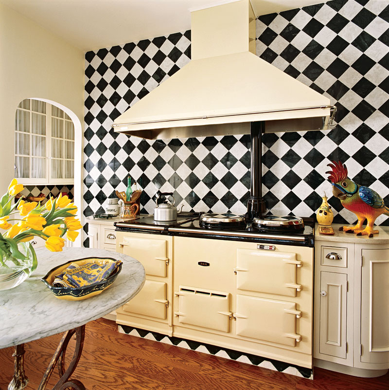 Beautiful efficient small kitchens traditional home for Basic kitchen remodel ideas