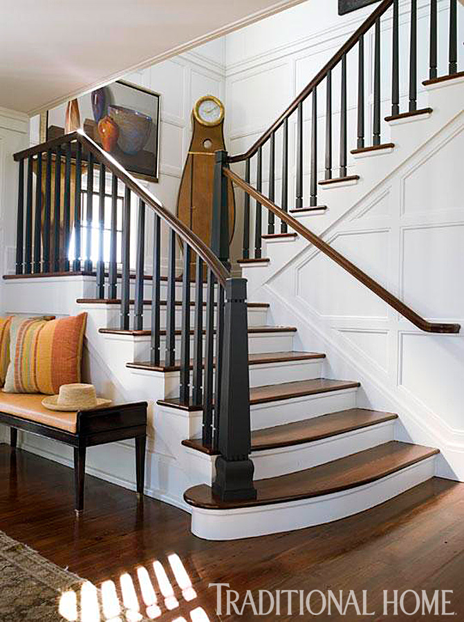 Nantucket shingle style traditional home - Modelos de escaleras interiores ...