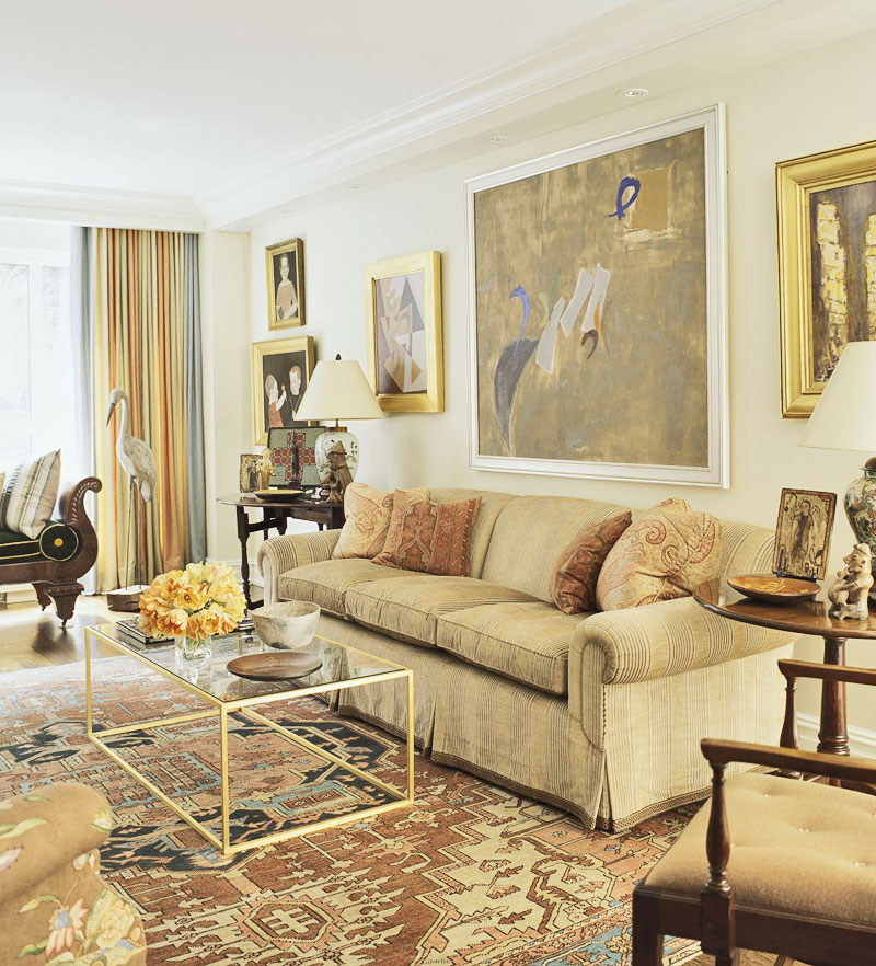 Traditional Home Interiors: Art-Filled New York Apartment