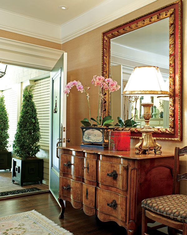Traditional Foyer Images : Back to traditional home