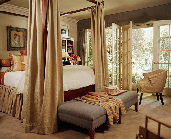Decorating cozy fall palettes traditional home for Beautiful traditional bedroom ideas
