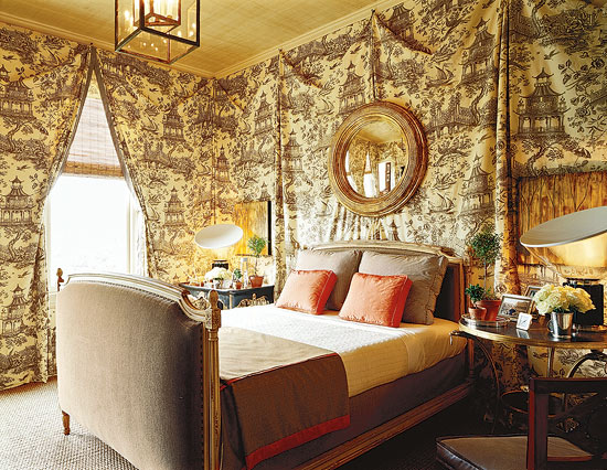 Bedroom decorating ideas totally toile traditional home for Wallpaper traditional home