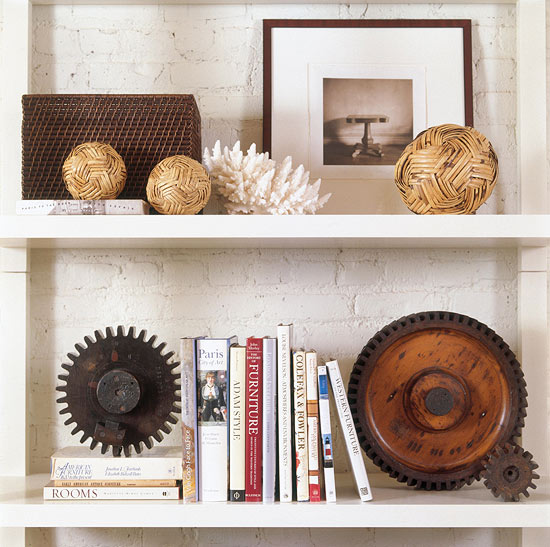 Stylish ideas for arranging and organizing bookcases for Arranging accessories