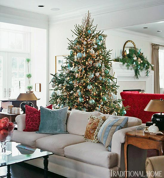 Holiday Rooms In Blue And White Traditional Home - Decorating dining room christmas white silver christmas palette