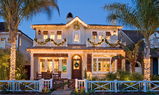 Christmas Decorations For The Beach House : Outdoor holiday decorating traditional home