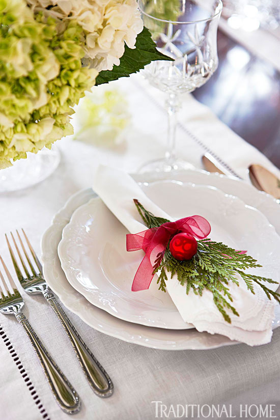 Holiday Table Setting & Beautiful Holiday Table Settings | Traditional Home