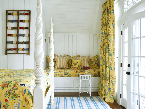 Blue Toile Bedroom Ideas: Bedroom Decorating Ideas: Totally Toile