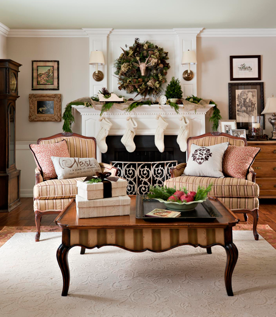 Traditional Home Christmas Decorating: Decorating: Holiday Mantels