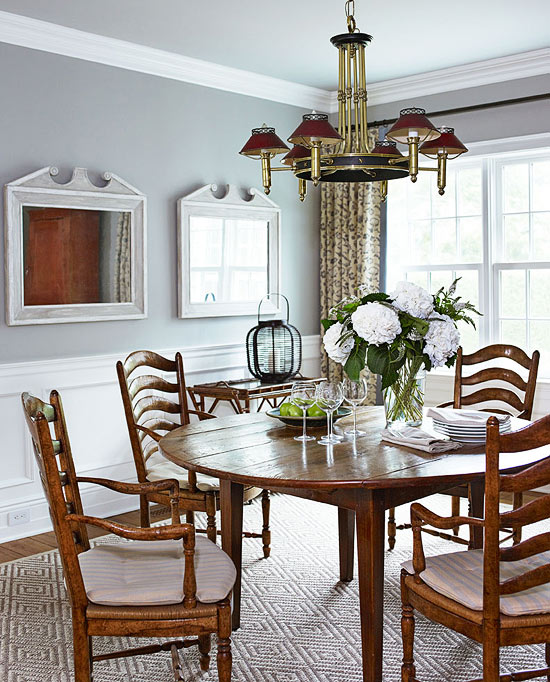 Welcoming Intimate Showhouse Kitchen: Charming East Hampton Cottage