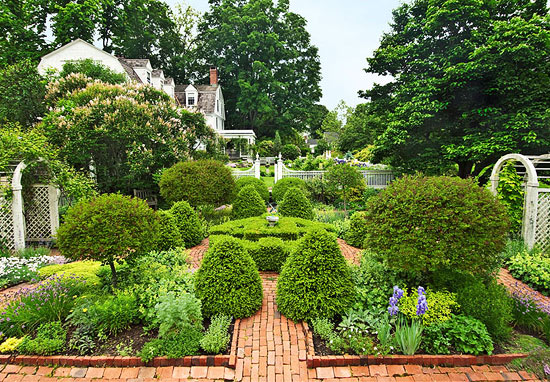 Classic Connecticut Garden Traditional Home