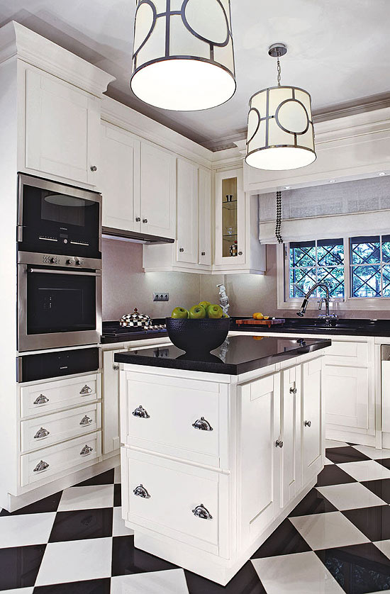 Beautiful efficient small kitchens traditional home for Efficient small kitchen design