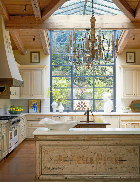 Elegant kitchens with warm wood cabinets traditional home for Elegant traditional kitchens