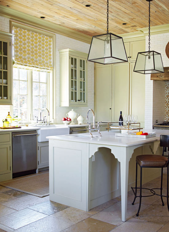 Traditional Home Kitchen: Stylish Islands For Traditional Kitchens