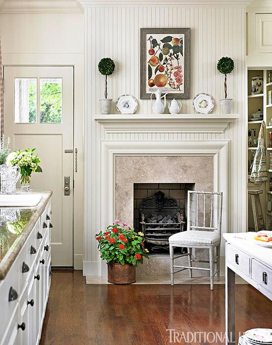 Incredible Get The Look Classic Mantels Traditional Home Home Interior And Landscaping Dextoversignezvosmurscom