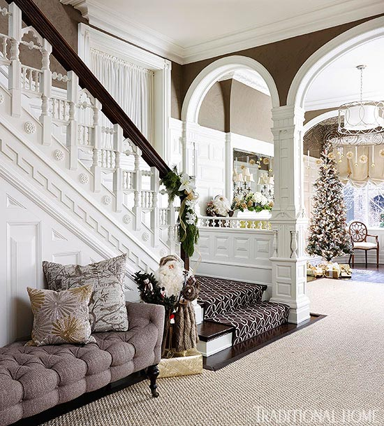 Elegant And Neutral Christmas Foyer: Festive Holiday Staircases And Entryways